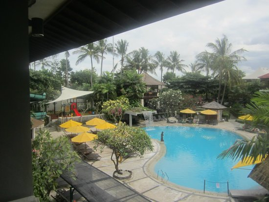 Bali Dynasty Resort Hotel: Day view from our Balcony