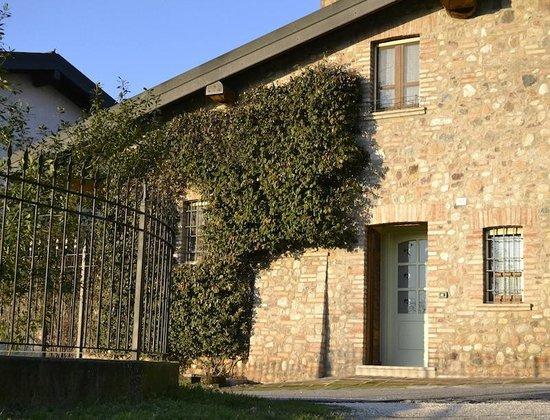 Agriturismo Esenta Borgo Castello: Esterno alloggi