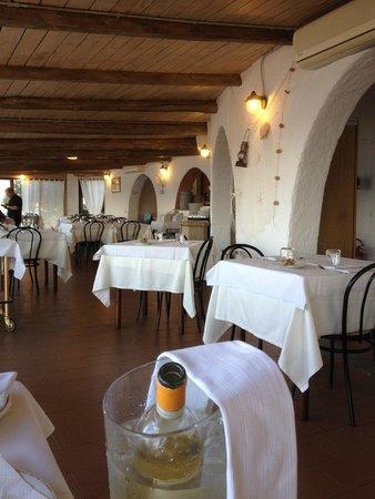 La Vecchia Lampara: The restaurant inside