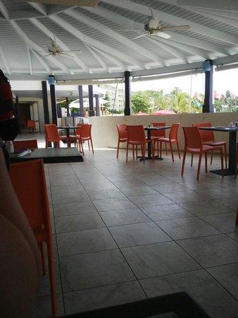Infinity on the Beach: Sea Fans Restaurant for breakfast