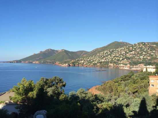 Hôtel Tiara Yaktsa Côte d'Azur. : Vue depuis le restaurant