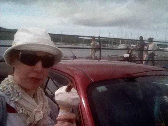 Dingle Oceanworld: Me enjoying my 99 by my car