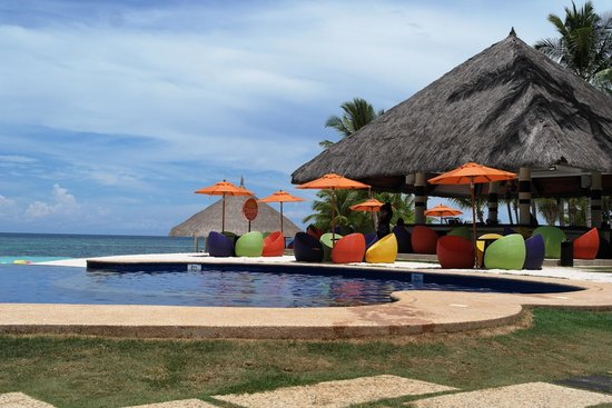 South Palms Resort: infinity pool overlooking the sea