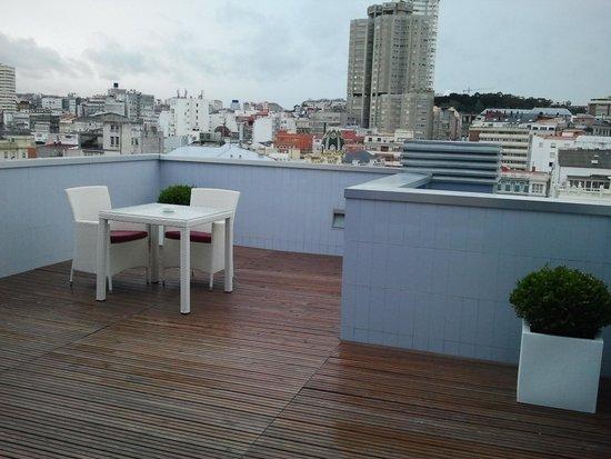 Sercotel Blue Coruna : terraza y vista espectacular