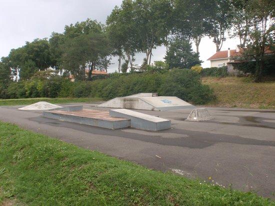 Lac de la Sablère : skate parc