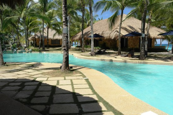 South Palms Resort: the bigger pool near the rooms