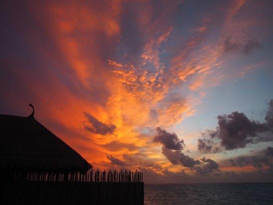 Constance Moofushi: Sunset