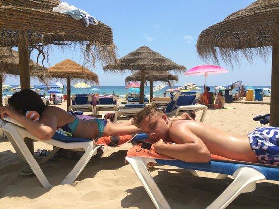 Gran Hotel Sol y Mar: la plage devant l'hôtel
