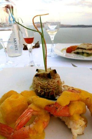Ambrosia Restaurant: Shrimp with Mango Sauce