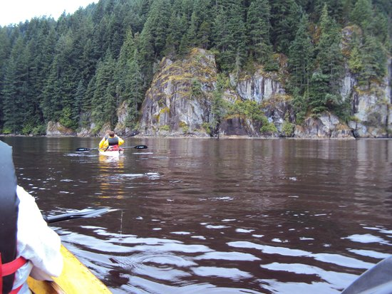 Lotus Land Tours: Cliffs in Indian Bay, Canada