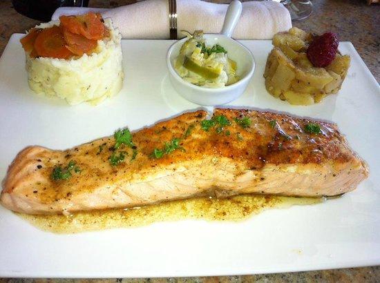 La Coccinelle : Saumon Panais poireaux et ecrasé de pommes de terre