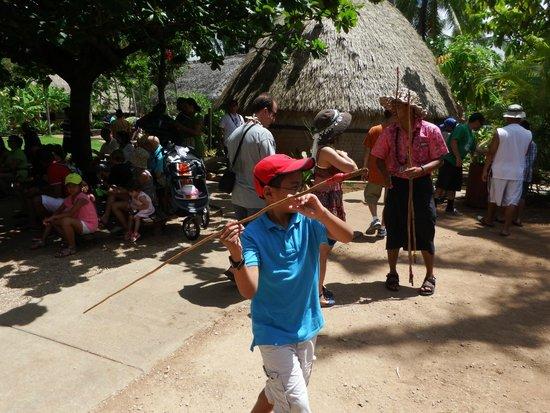 Polynesian Cultural Center : Spear thrown