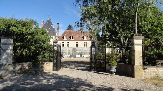 Chateau d'Igny: chateau Igny in La Perche