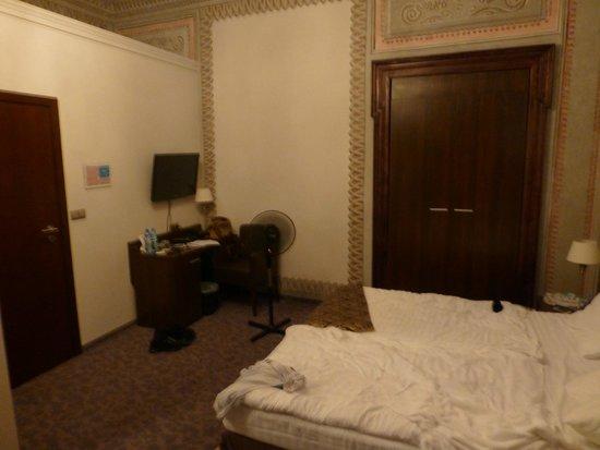 Rezydent Hotel: Room