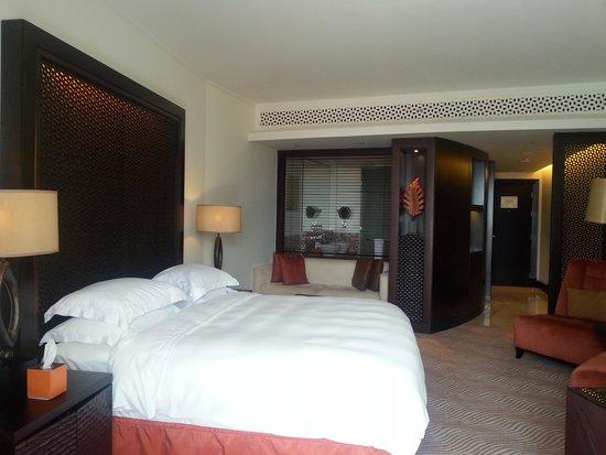 The Address Downtown Dubai: chambre