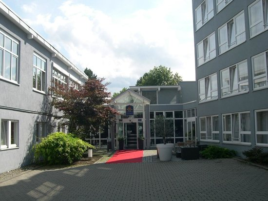 Best Western Plus Atrium Hotel: Hoteleingang