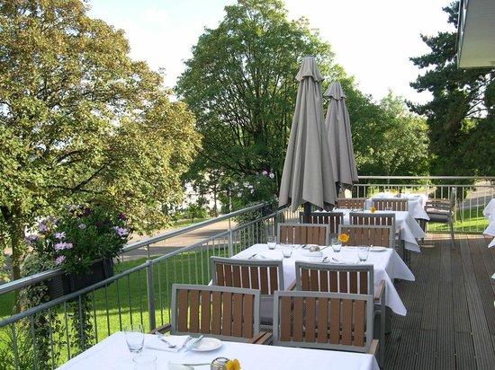 Best Western Plus Atrium Hotel: Terrasse