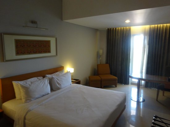 Hotel Santika Jemursari: Executive Double Room