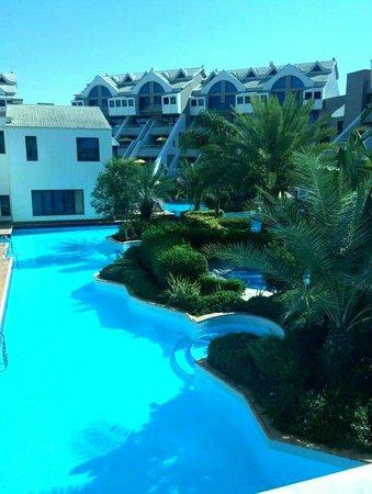 Susesi Luxury Resort : lake houses