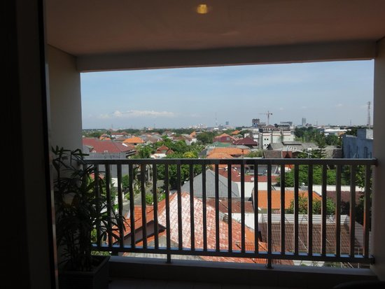 Hotel Santika Jemursari: View from 4th floor