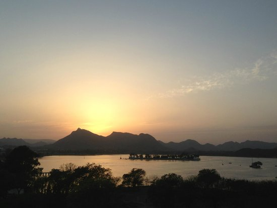 The Lalit Laxmi Vilas Palace Udaipur: Sunset
