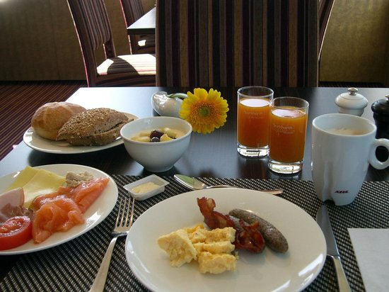 Best Western Plus Atrium Hotel: Frühstück