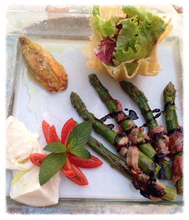 Il Brandano : Asparagus wrapped in bacon