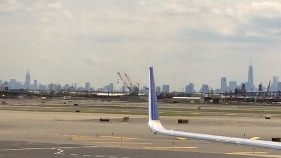 Airplane Skyline New York Royalty Free Stock Photography - Image ...