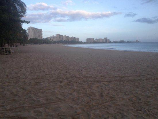 InterContinental San Juan: View of Early Morning Beach
