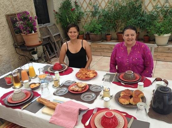 Lou Eissour: Lovely way to start our day in Provence!