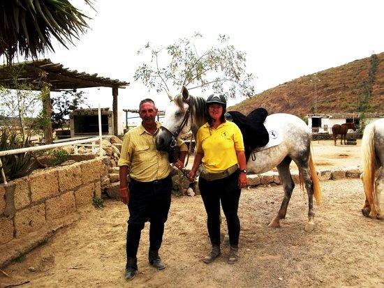 Centro hípico Horse Riding Adventures in Tenerife: me n princessa n sara