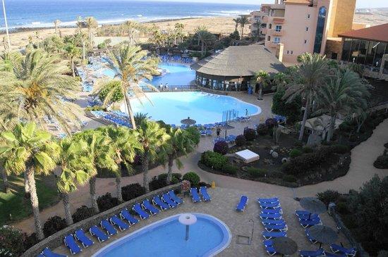Hotel Elba Sara : Piscina. Vista desde la habitación.