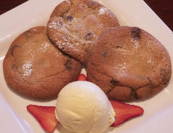Oswego Grill: Fresh baked cookies