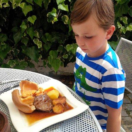 Godot's Brasserie: Sunday lunch arrives !