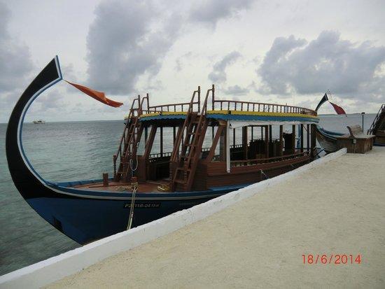 Biyadhoo Island Resort: LE DEPART POUR LA PLONGEE