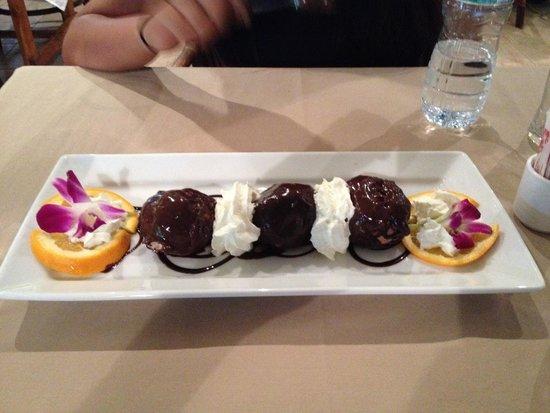 Duomo : the delicious dessert with a mascarpone filling!