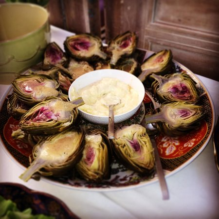 Jnane Tamsna : Artichokes for lunch