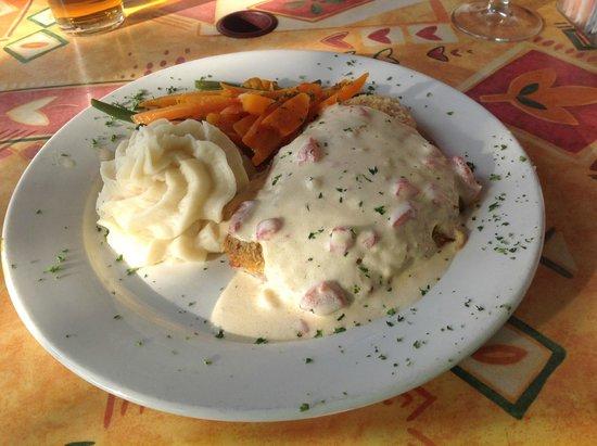 Jorgensen's at Dimmick Inn: Tilapia with creamy sauce and garlic potatoes