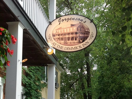 Jorgensen's at Dimmick Inn: Best place to eat your dinner is the porch