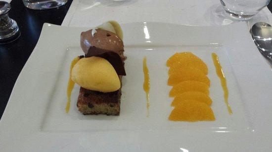 L'Ardoise : Brioche aux pépites de chocolat maison, quartiers d orange et sorbet à l orange.