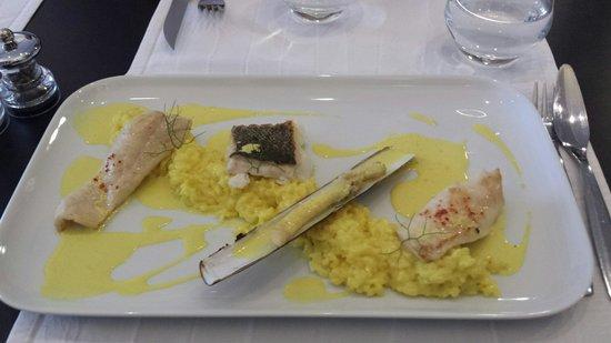 L'Ardoise : Parillada de poissons et riz à la sauce au curcuma