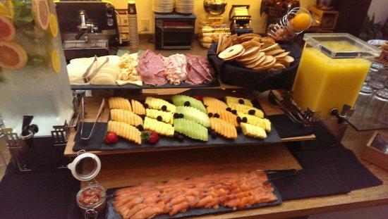 The Fontaine : Beautiful breakfast spread