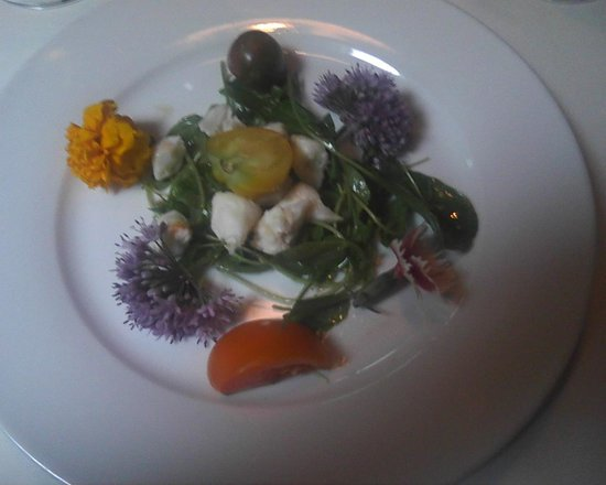 The Carlton: Water Cress and eatible flowers