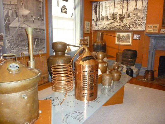 Oscar Getz Museum of Whiskey History: One of several rooms