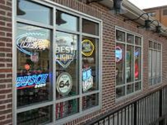Wise Guys Beer Depot : Right Front Windows