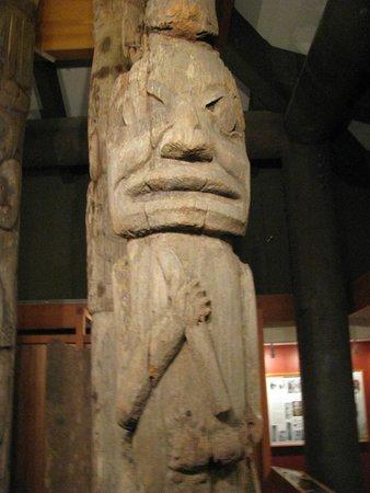 Totem Heritage Center: Totem Pole inside the museum.