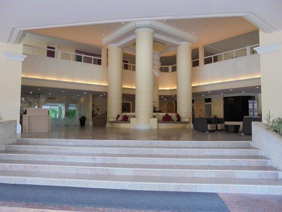 Andaman Embrace Patong: Reception
