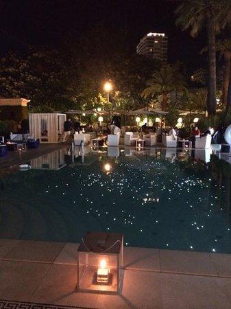 Hôtel Métropole Monte-Carlo : coin piscine.