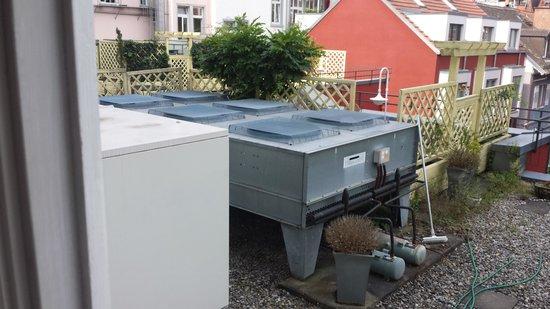 Hotel Halm Konstanz: Blick aus Doppelzimmerfenster mit Klimagerät