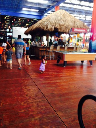Coco Key Hotel and Water Park Resort : The bar